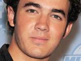 Kevin Jonas reveals his best man