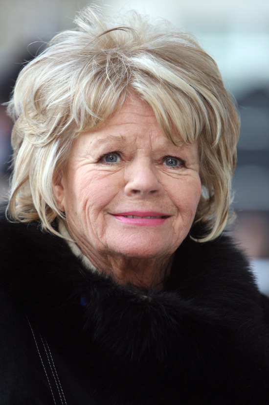 550w_ds_icon_judith_chalmers_01.jpg
