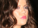 Khloe Kardashian 'sells wedding photos'