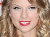 Taylor Swift 'hints at Lautner romance'