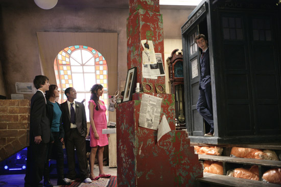 Doctor and TARDIS on SJA