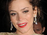 Anna Friel 'sang while fan vomited'