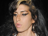Winehouse 'sings new tracks to patients'