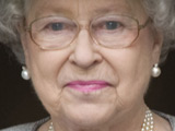 Queen 'arrives late for West End play'