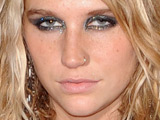 Ke$ha spends third week at US No.1