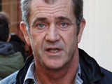 Mel Gibson takes 'Summer Vacation'