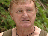 Joe Bugner apologises for food row
