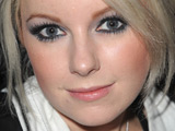 Little Boots 'upset by online fat jibes'