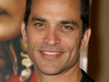 Schaech proposes to 'One Tree Hill' star