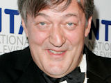 Stephen Fry visits 'House' set