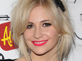 Pixie Lott 'spends week with Joe Jonas'
