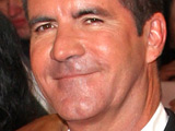 Simon Cowell 'seen kissing' girlfriend
