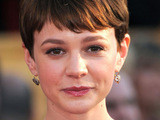 Carey Mulligan struggles with photoshoot?