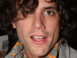 Mika unhappy with 'Everybody Hurts' vocal