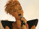 Rihanna 'wants to make up-tempo new LP'
