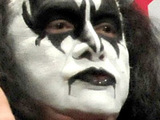 Kiss 'announce intimate London gig'