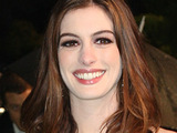 Hathaway: 'I make friends on set easily'
