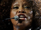 Whitney Houston 'refuses to stop smoking'