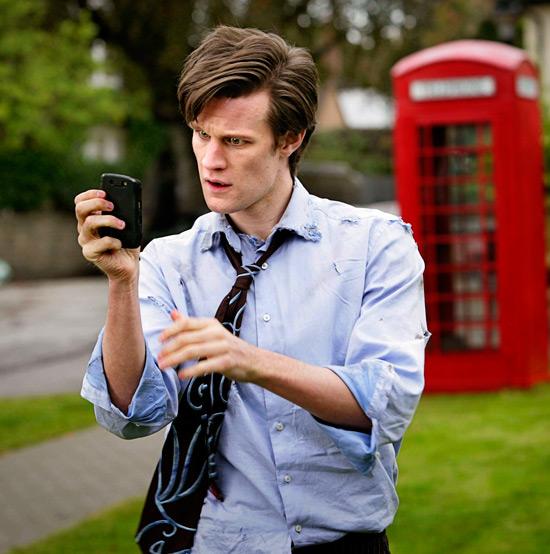 2010-03-04. Доктор Кто: фото В сети появились сканы нового номера журнала Doctor Who...