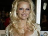 Pamela Anderson campaigns against KFC